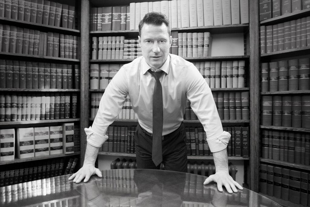 mark-hogan-toronto-criminal-lawyer-mississauga-desk